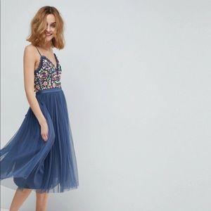 Blue embroidered midi dress NWT